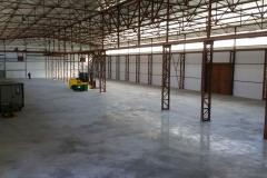 große Lagerhalle leer